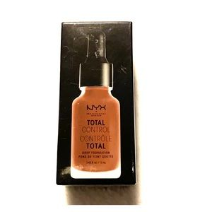 NYX total control drop foundation cocoa